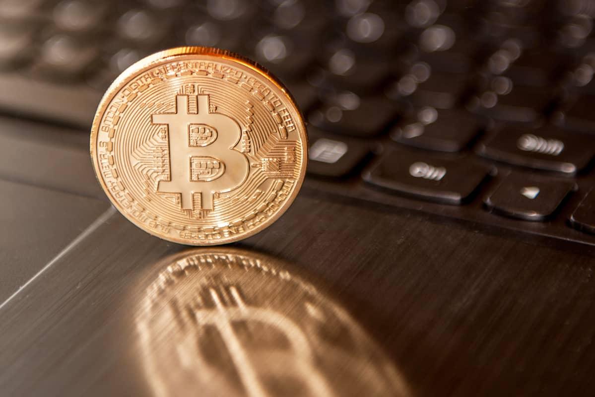 """Kannattaisiko miljardöörin neuvoon luottaa? – """"Bitcoineja kannattaa ostaa nyt"""""""