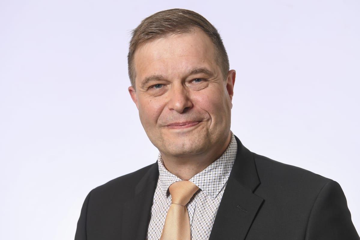 Kansanedustaja Kari Tolvanen, Kansallinen Kokoomus.