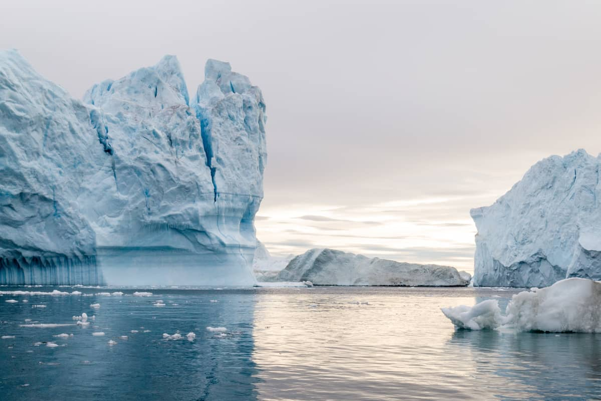 Jäävuoria Grönlannin Ilulissatissa