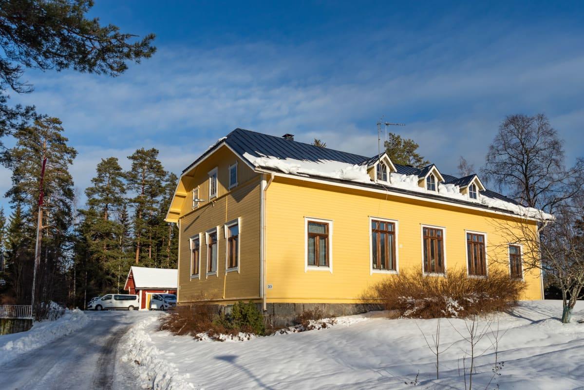 Villa Hockey päärakennus ulkoa