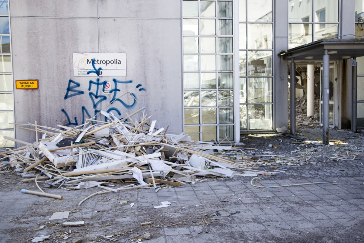 Metropolia-ammattikorkeakoulun purkutyömaa Espoossa.