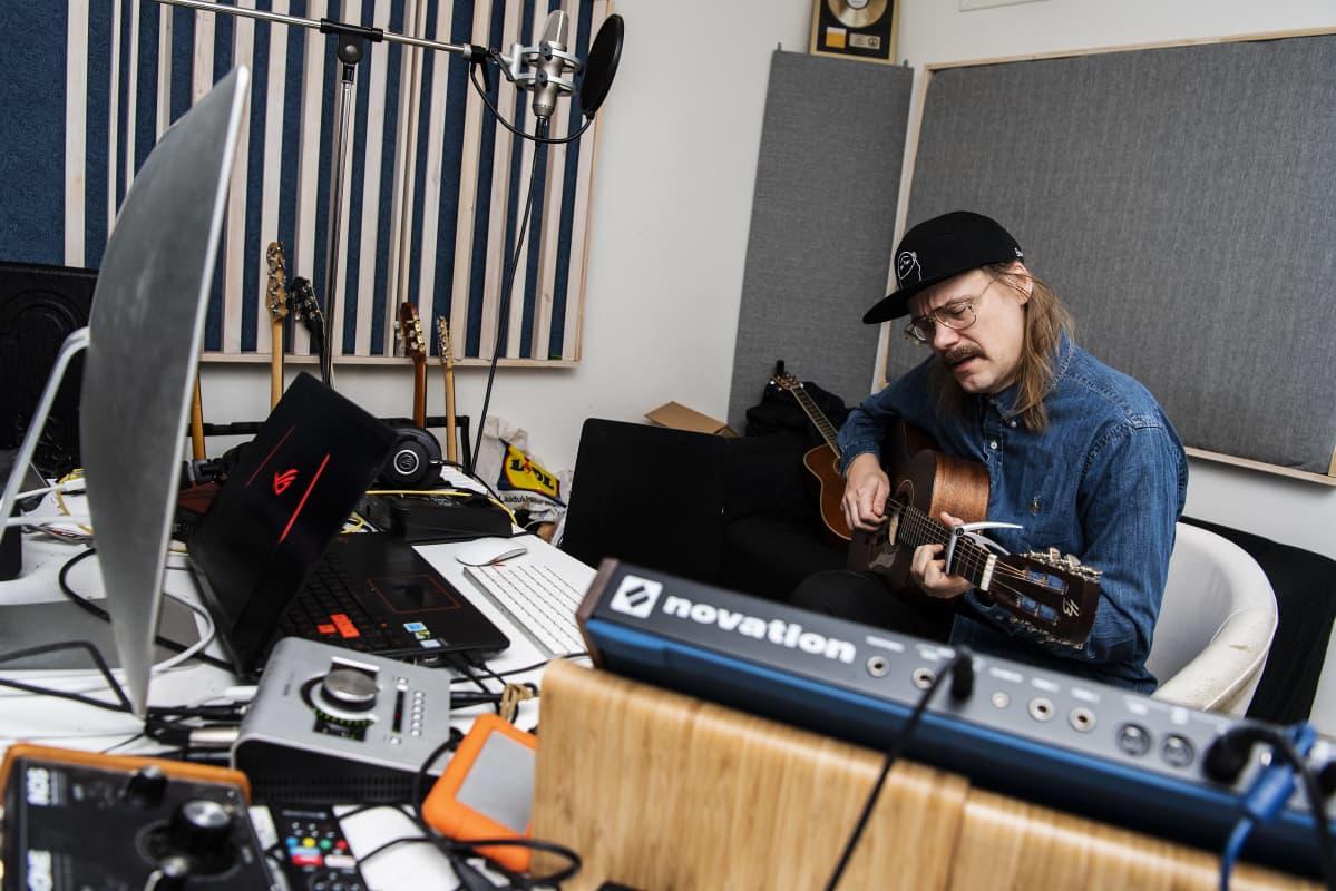 Kuvassa on muusikko Stig 9. marraskuuta 2020 Helsingissä.