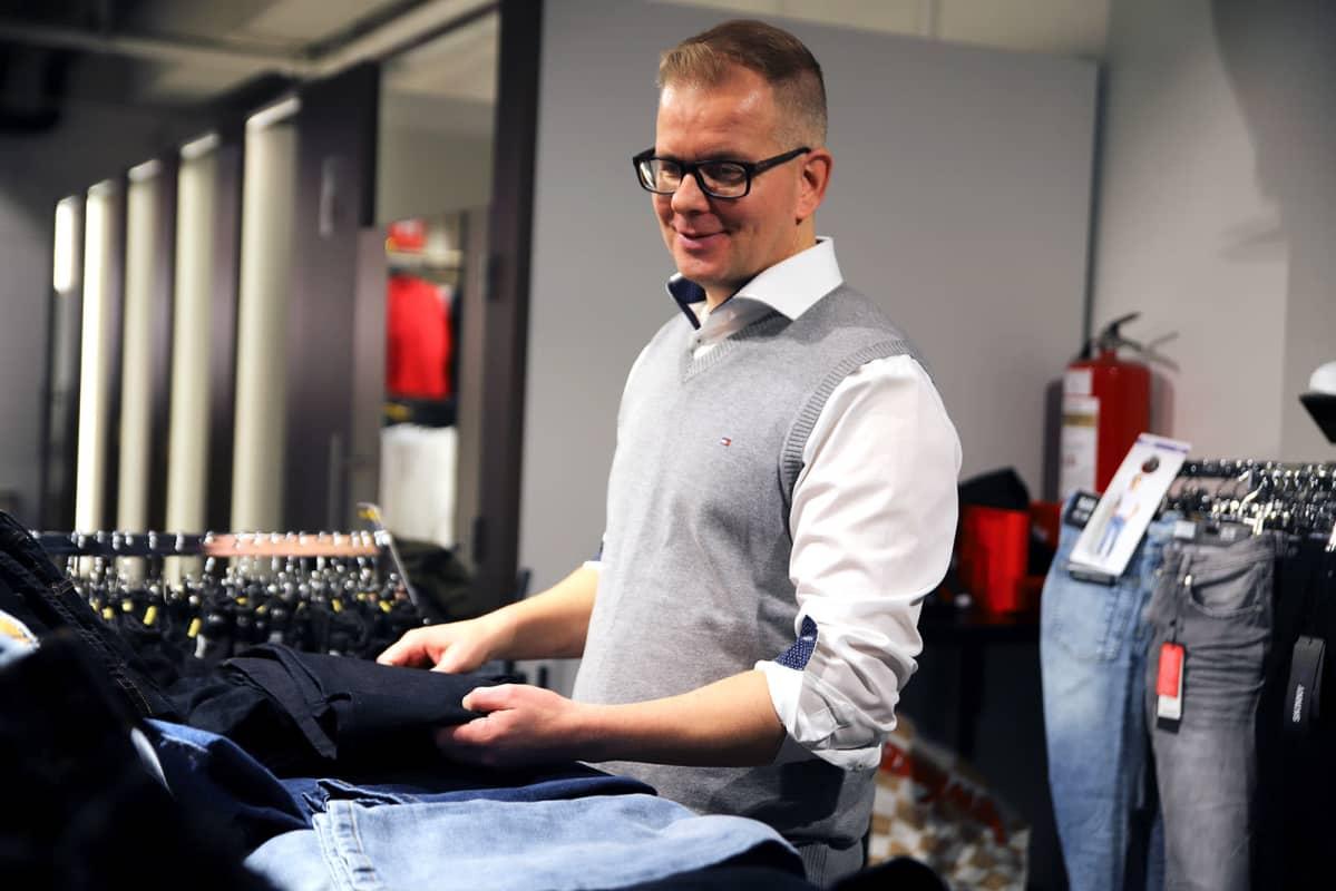 Turun yliopiston taloussosiologian professori Pekka Räsänen on mukana kuluttamista koskevassa tutkimuksessa.