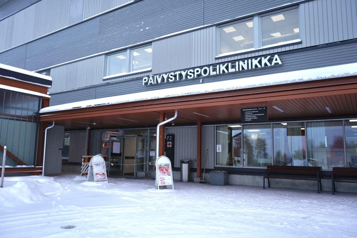 Pandemiavastaanotto Kainuun keskussairaalan päivystyspoliklinikalla