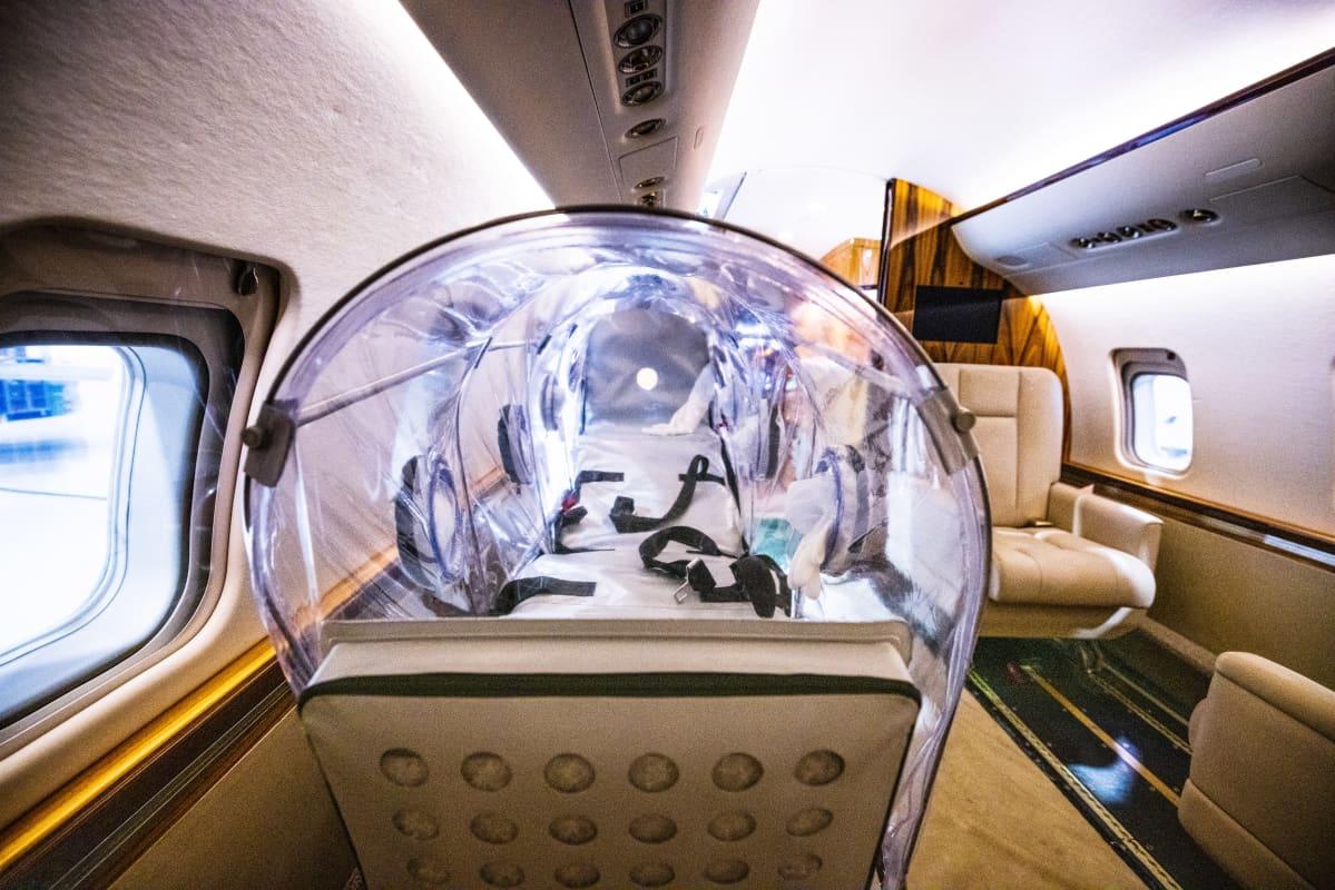 Eristysyksikköä  Jetfliten Challenger 604 -ambulanssikoneessa.