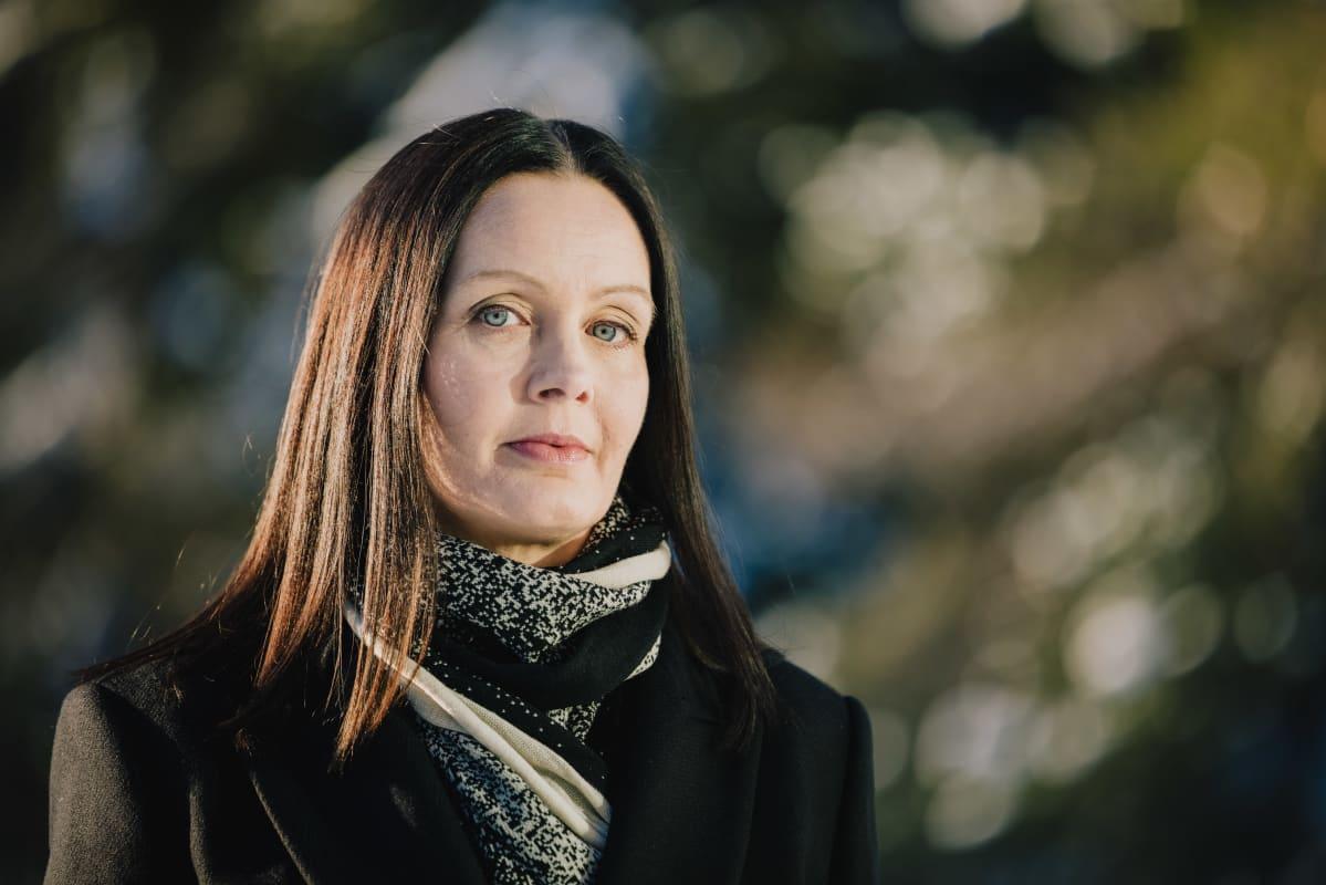 Kuvassa Anne Kaartinen.