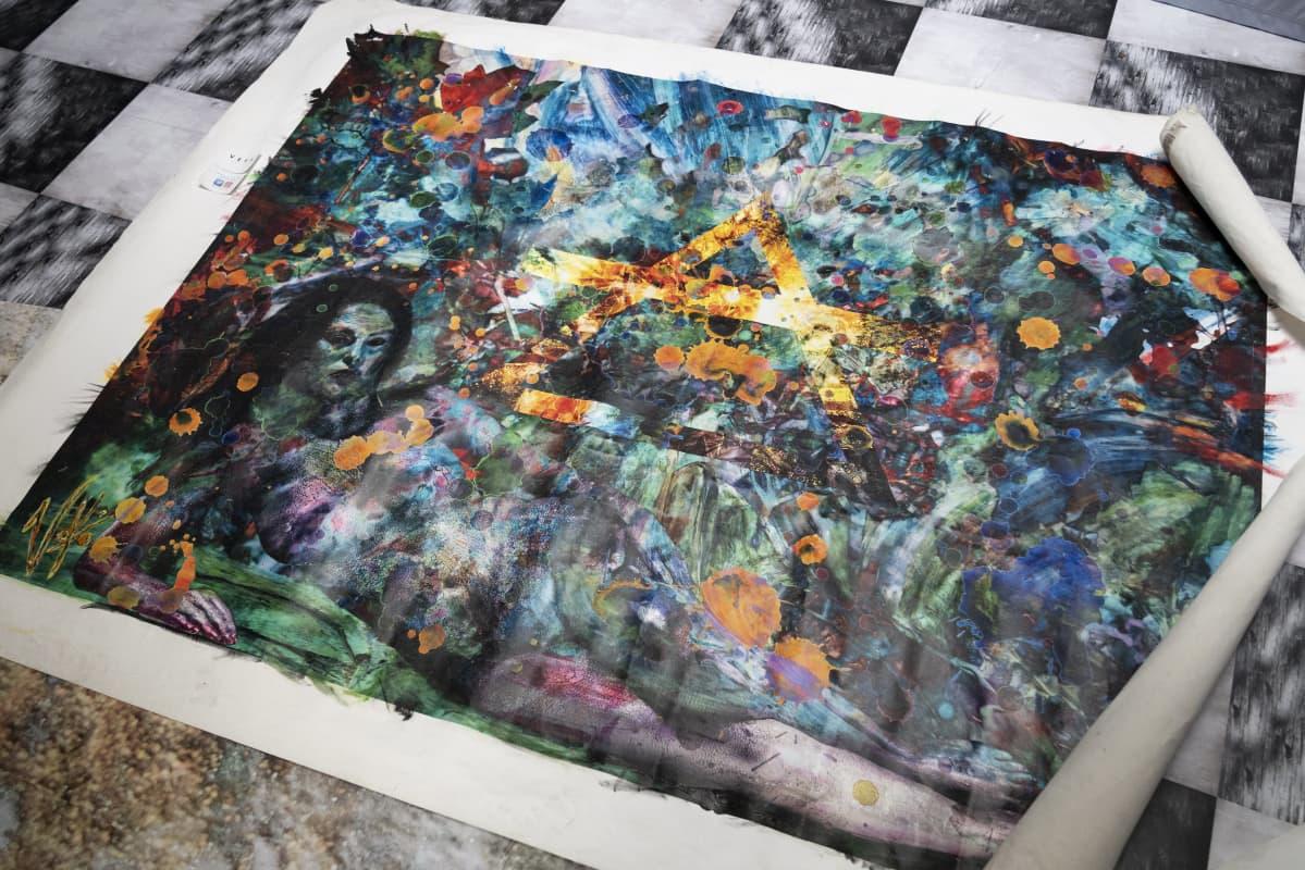 Vesa Kivisen taideteos printattuna.