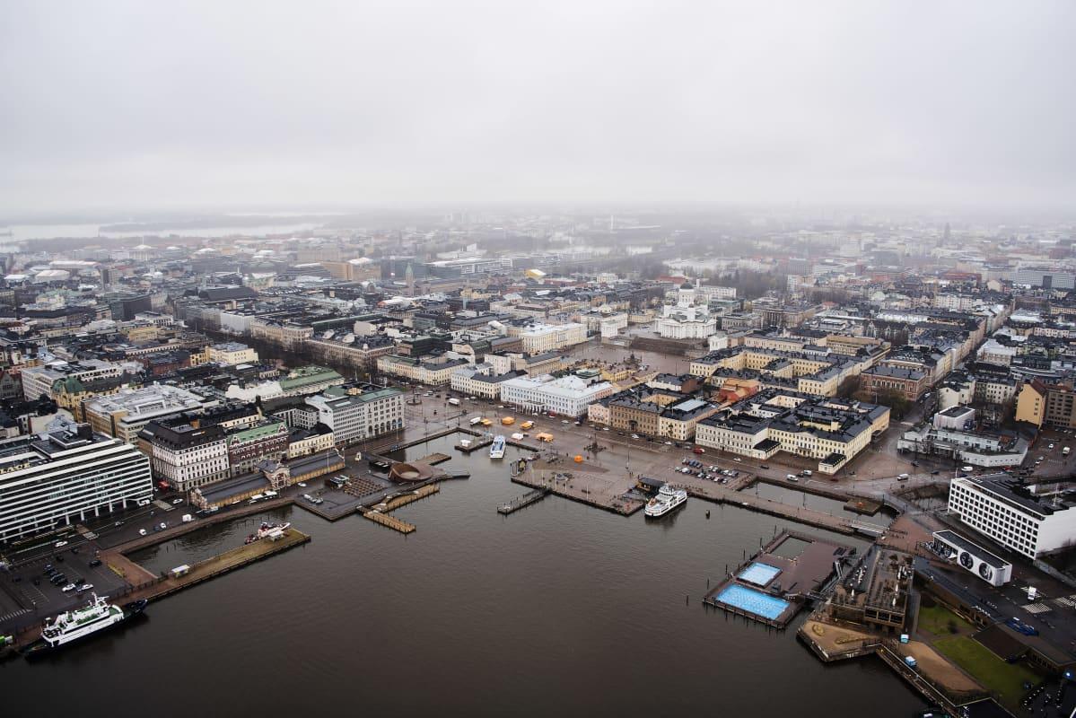 Ilmakuvassa on Helsingin Kauppatori toukokuussa 2021.
