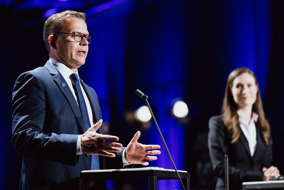 Petteri Orpo ja Sanna Marin haastateltavana vaali-iltana Pasilan Studiotalossa.