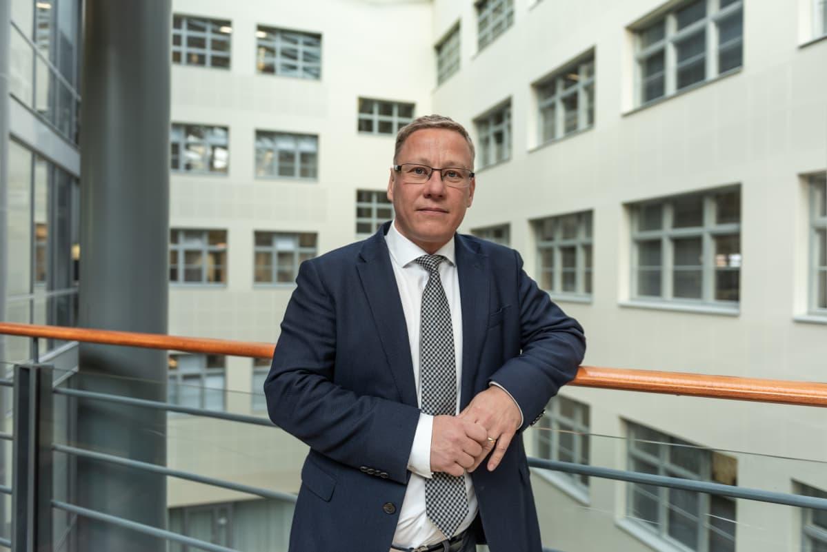 Verohallinnon ylitarkastaja Timo Puiro.