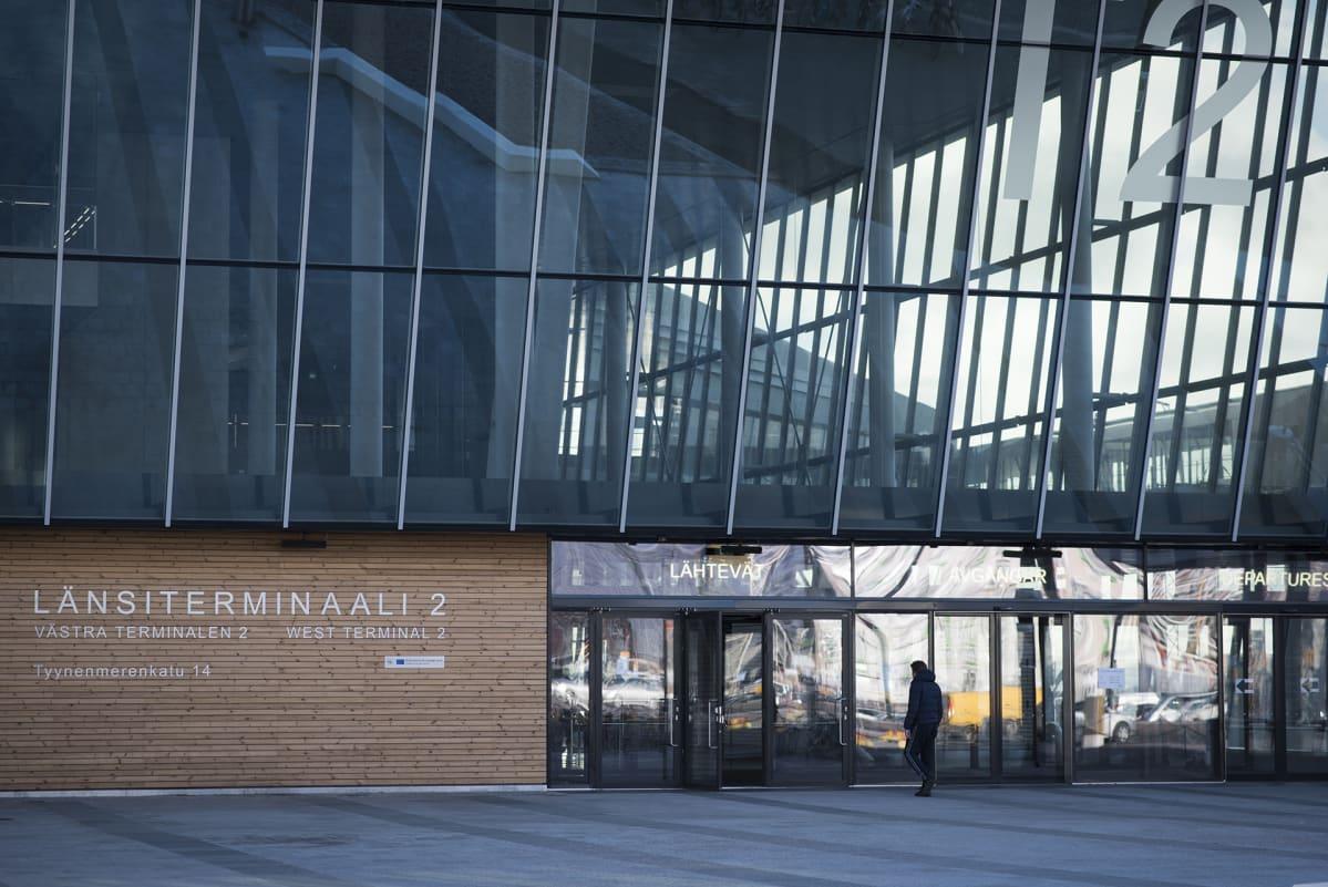 Länsiterminaali 2 Helsingin Jätkänsaaressa.