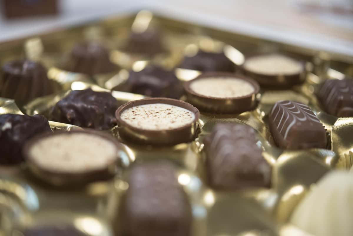 Suklaakonvehteja
