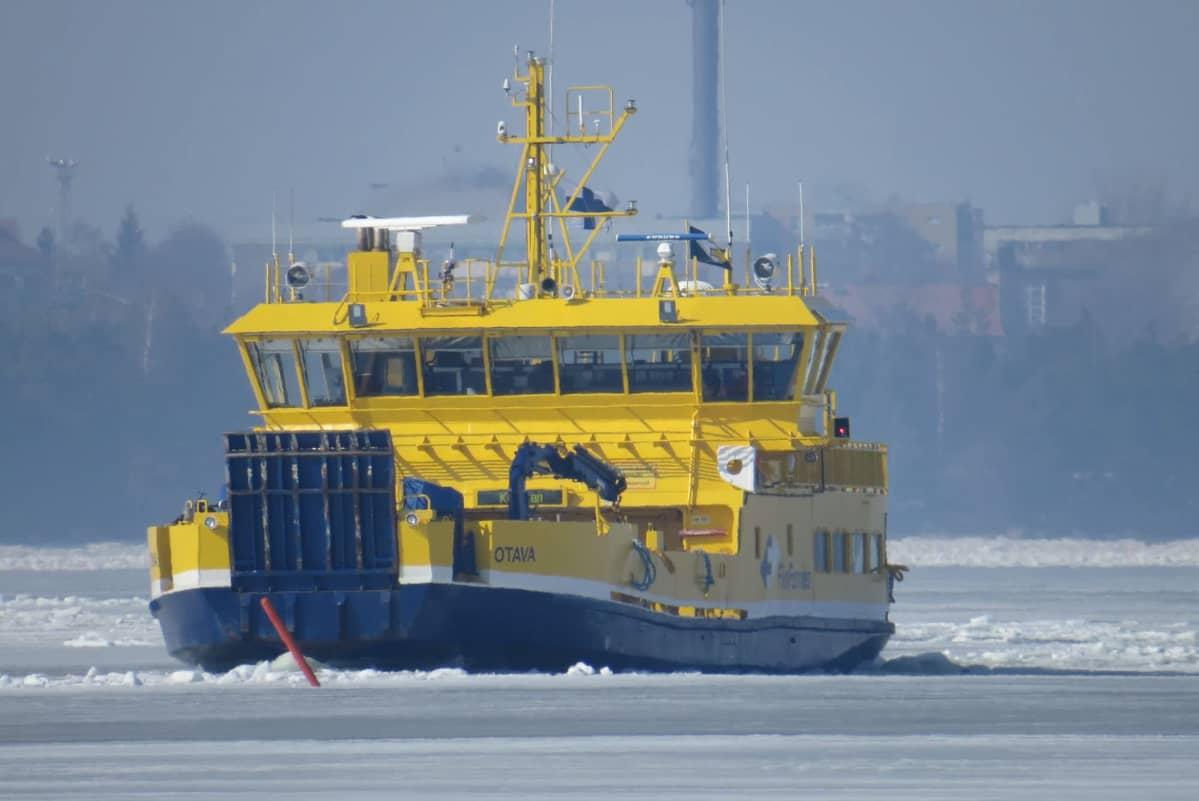 yhteysalus Otava merellä