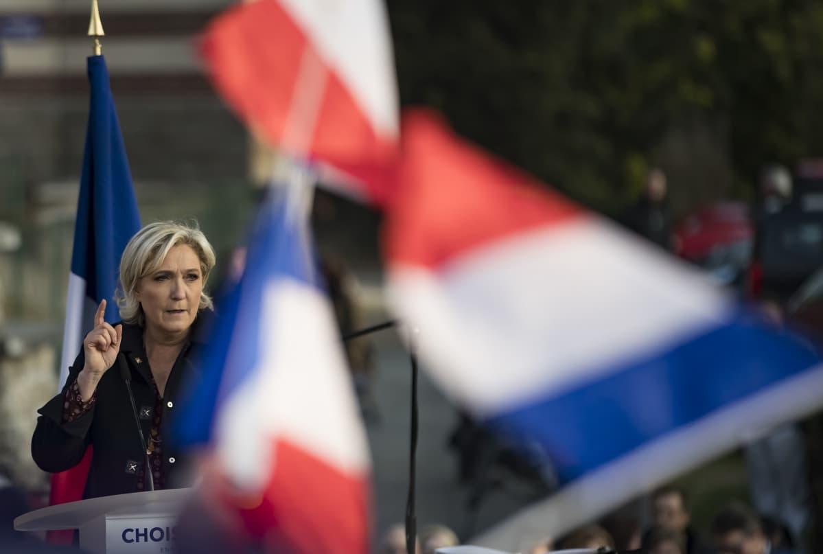 Oikeistopopulisti Marine Le Pen