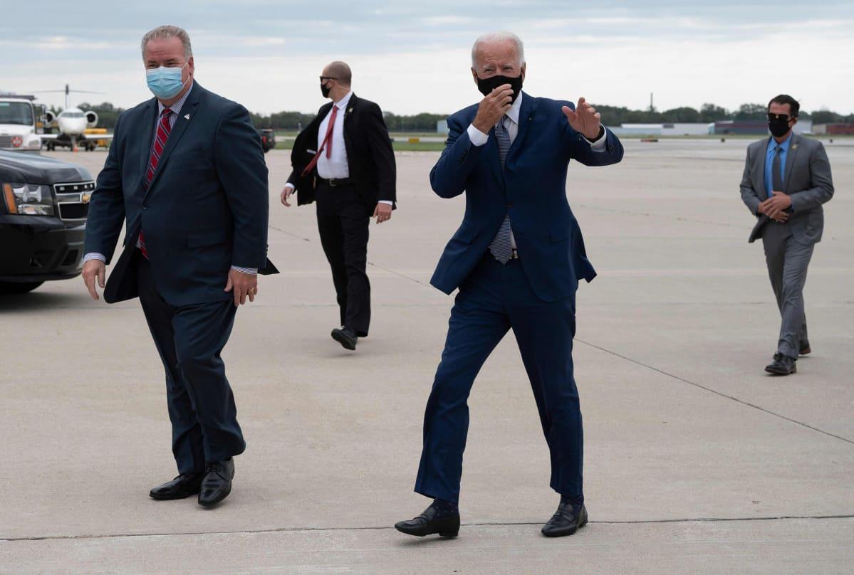 Joe Biden lentokentällä