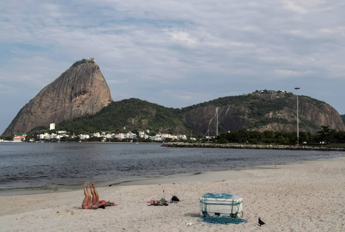 Rio de Janeiron Flamengo beach oli hiljainen 19. maaliskuuta.