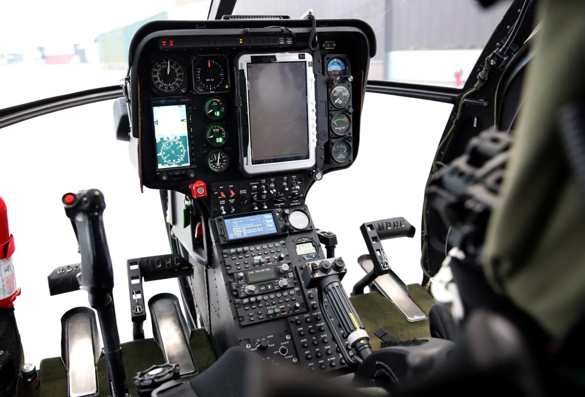 MD-helikopterin ohjaamo