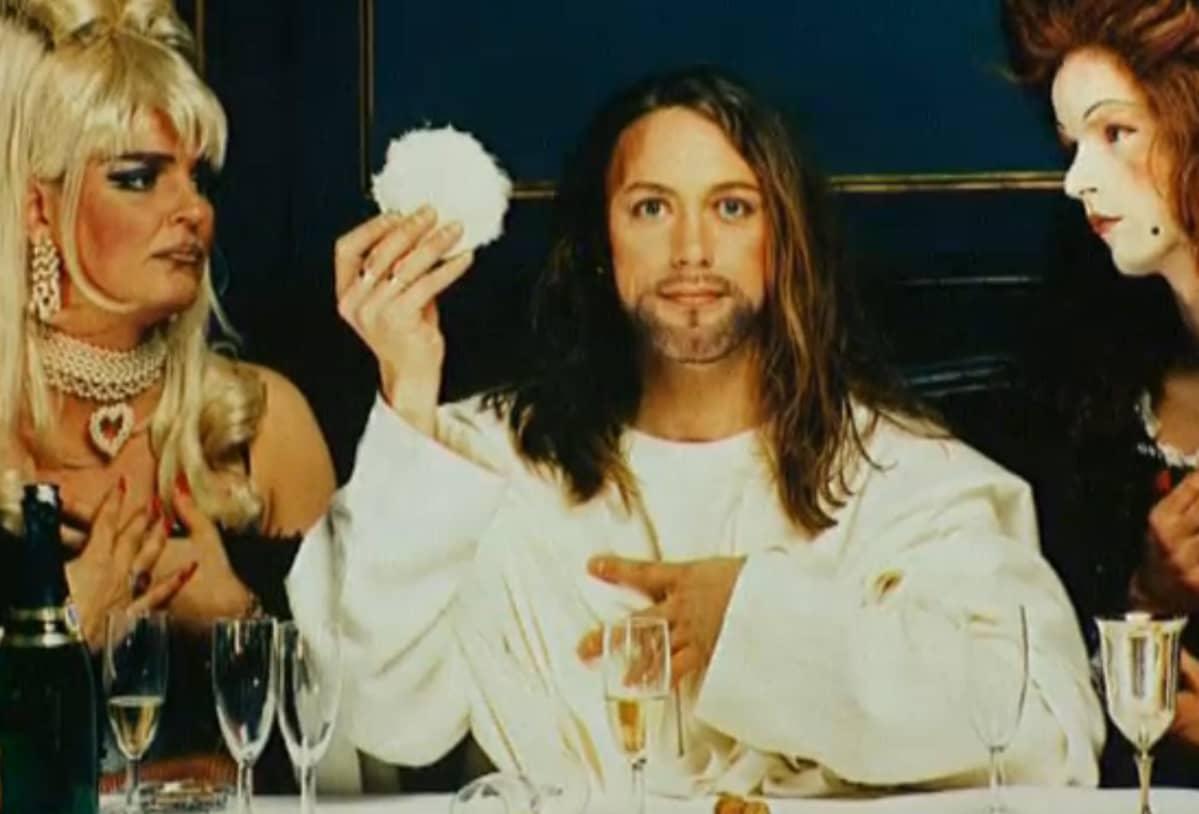 Yksityiskohra yhdestä Elisabeth Ohlsonin Jeesusta esittävästä valokuvasta Ecce Homo -näyttelystä.