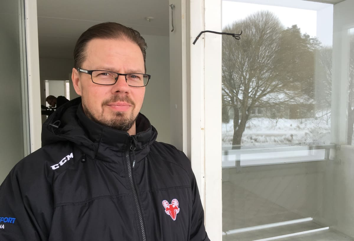 Savonlinnan Vuokratalojen toimitusjohtaja Hannu Kurki.