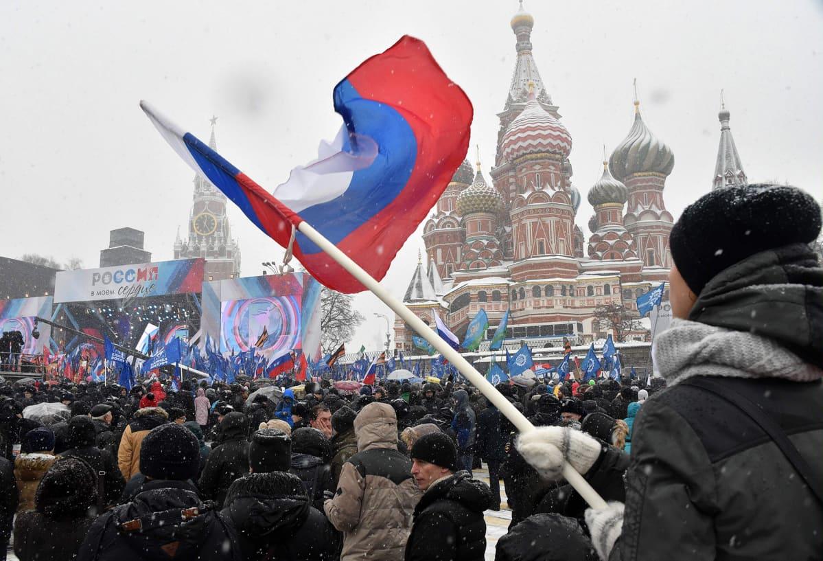 Mielenosoittajia Kremlin edustalla.
