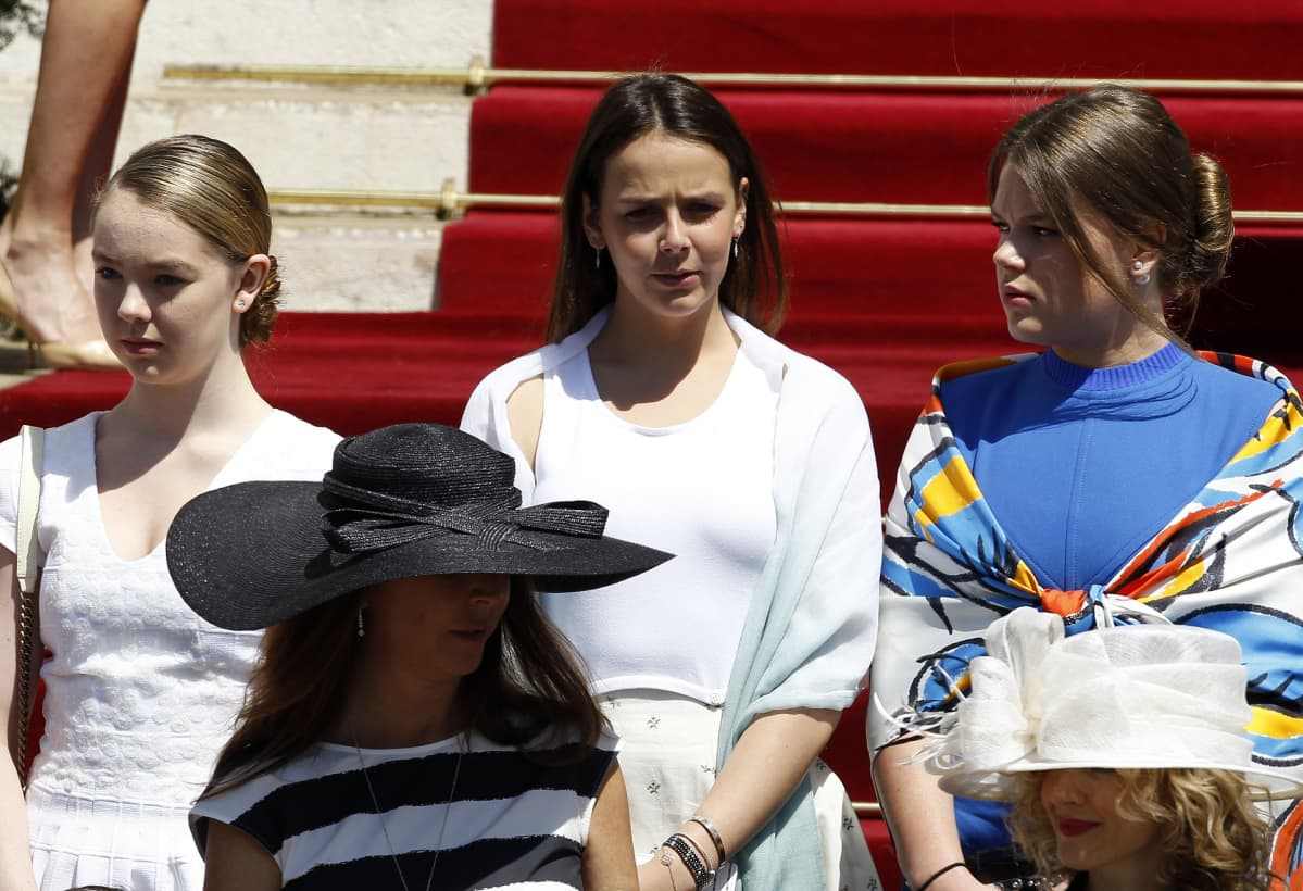 Prinsessa Alexandra, Pauline Ducruet ja Camille Gottlieb.