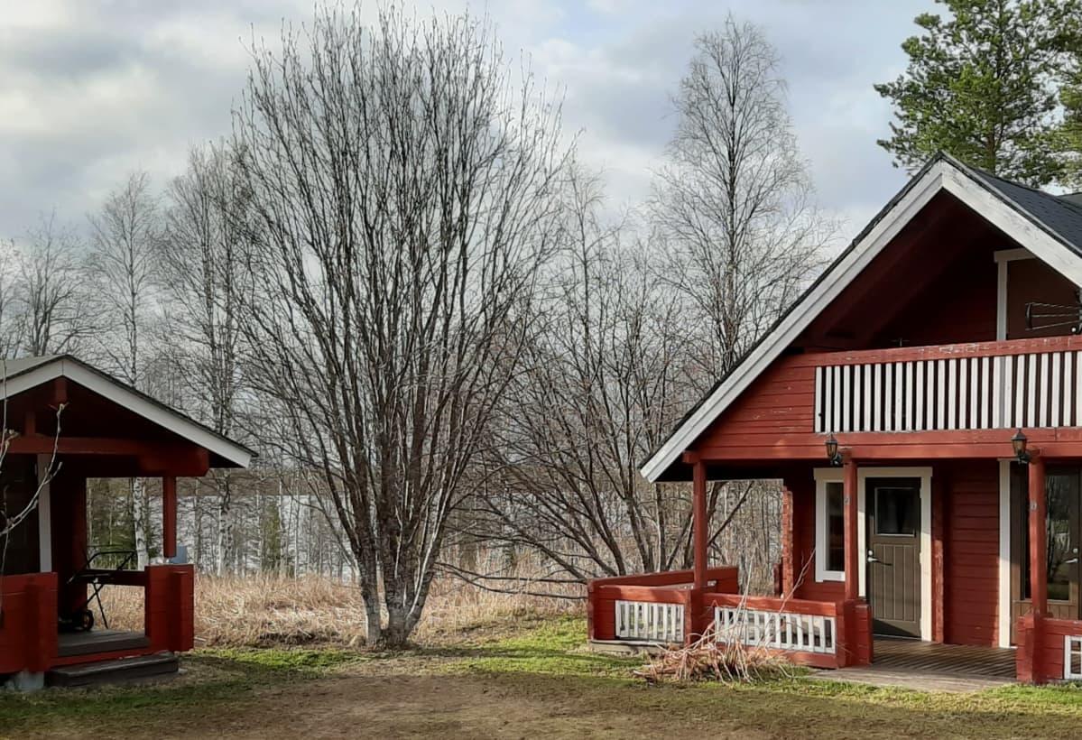 Kesämökki Kuusamossa.