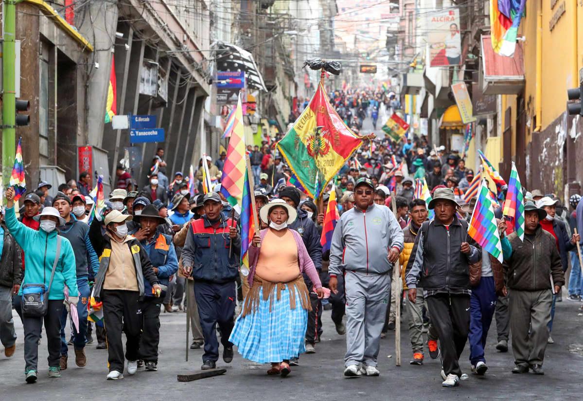 Moralesin kannattajia.