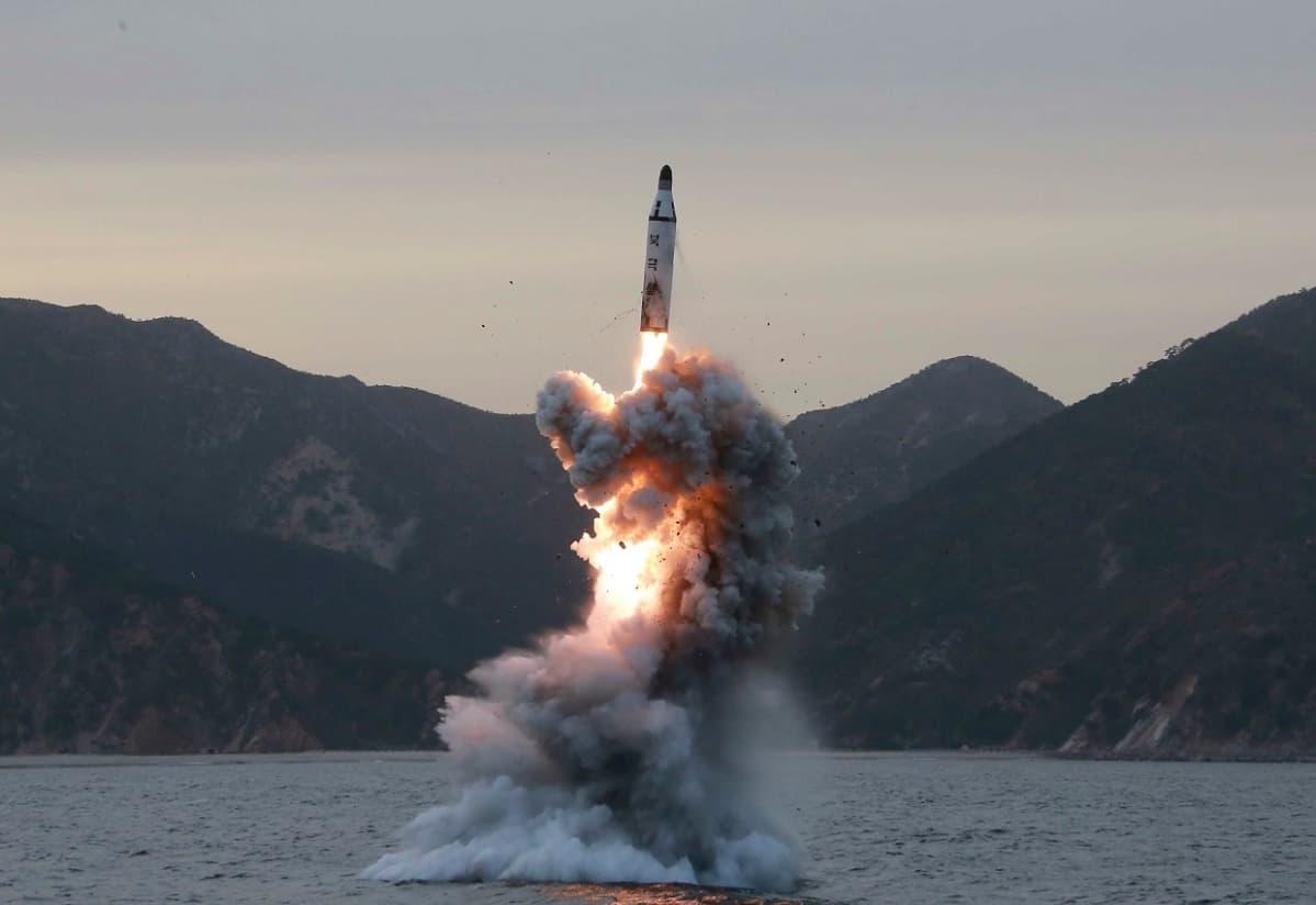 Pohjois-Korean julkaisema kuva ohjuskokeesta keväällä 2016.