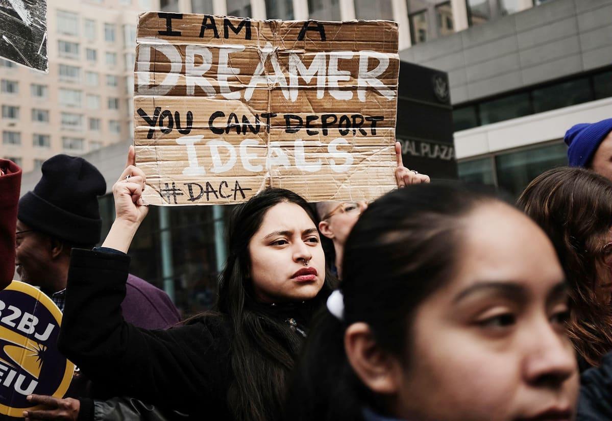 Presidentti Donald Trumpin maahanmuuttopolitiikan vastainen mielenosoitus New Yorkissa.