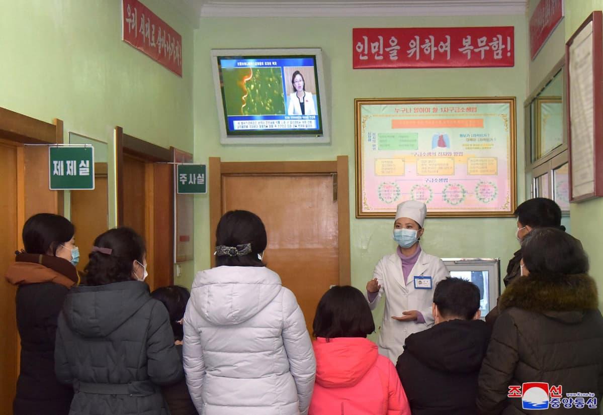 Pohjoiskorealaisille luennoidaan koronaviruksesta