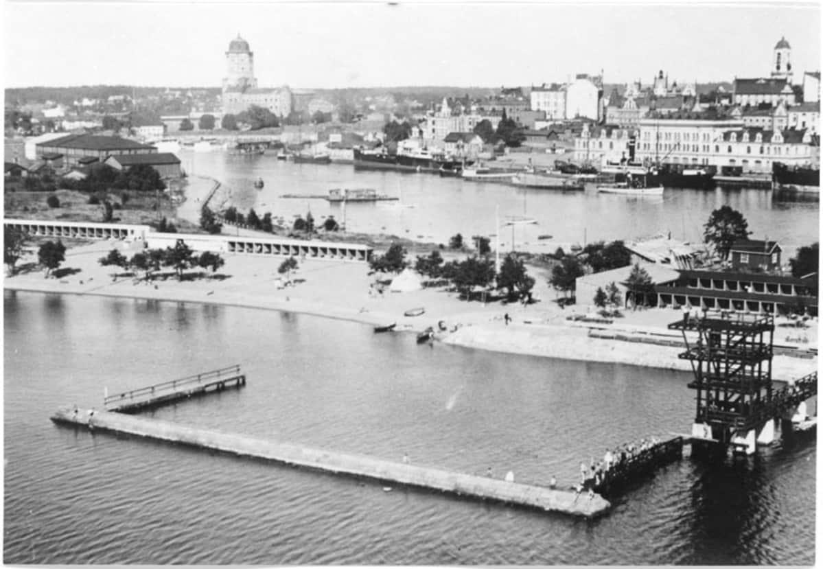 Tervaniemen uimalaitos Viipurissa vuonna 1936.