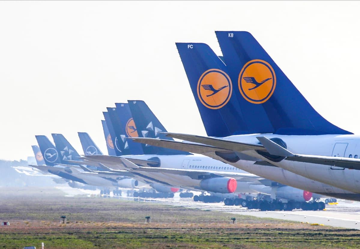 Lufthansan koneita Frankfurtin kentällä