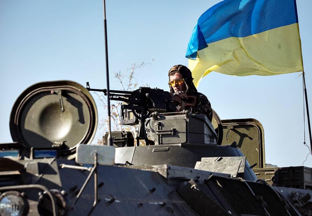Ukrainalainen sotilasajoneuvo Slavianskissa