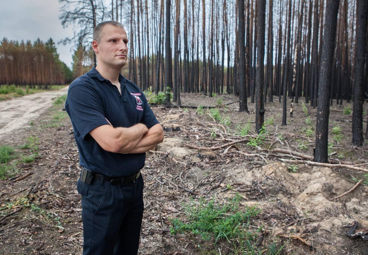 Matthias Klatt on ammattipalomies ja Treuenbrietzenin vapaapalokunnan johtaja. Hän oli mukana sammuttamassa vuosi sitten riehunutta metsäpaloa.