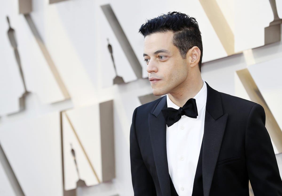 Rami Malek saapumassa Oscar-gaalaan 24. helmikuuta.