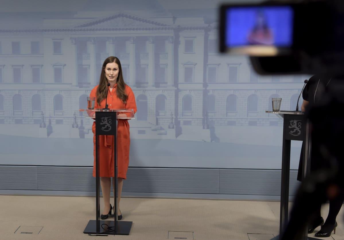 Pääministeri Sanna Marin hallituksen koronatilannetta koskevassa tiedotustilaisuudessa 22. huhtikuuta