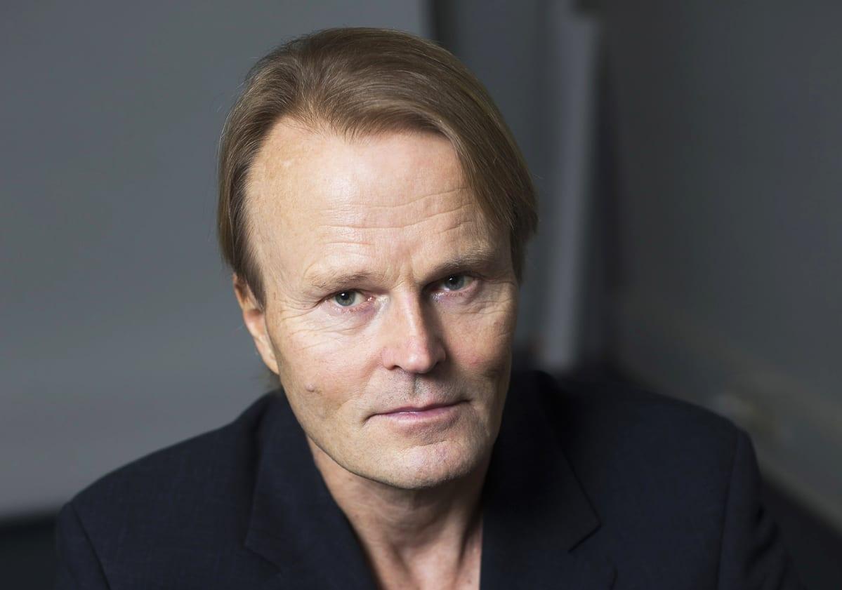 Kirjailija Juha Siltala.
