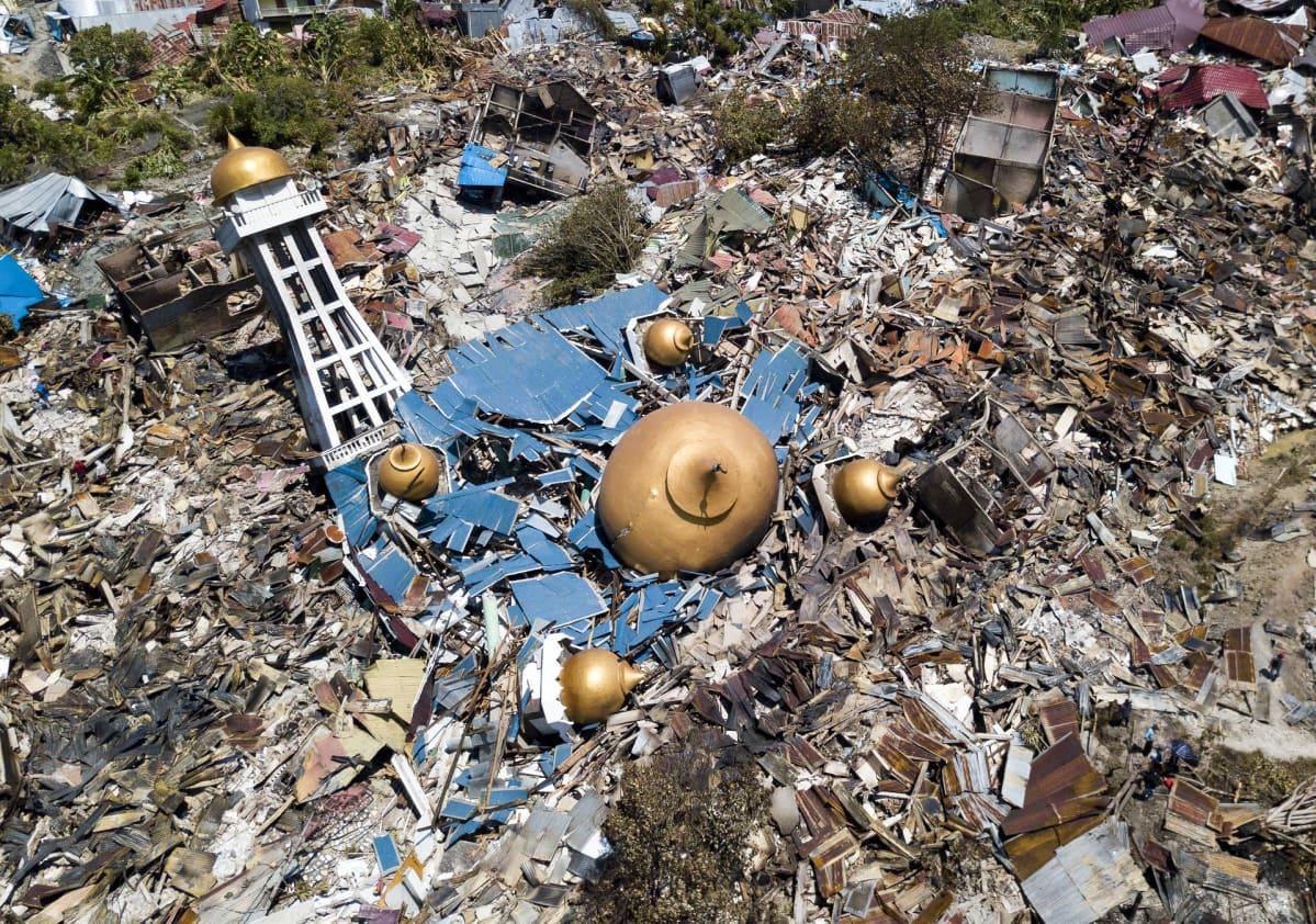 Maanjäristyksen tuhoja Palun kaupungissa Indonesian Sulawesin saarella.