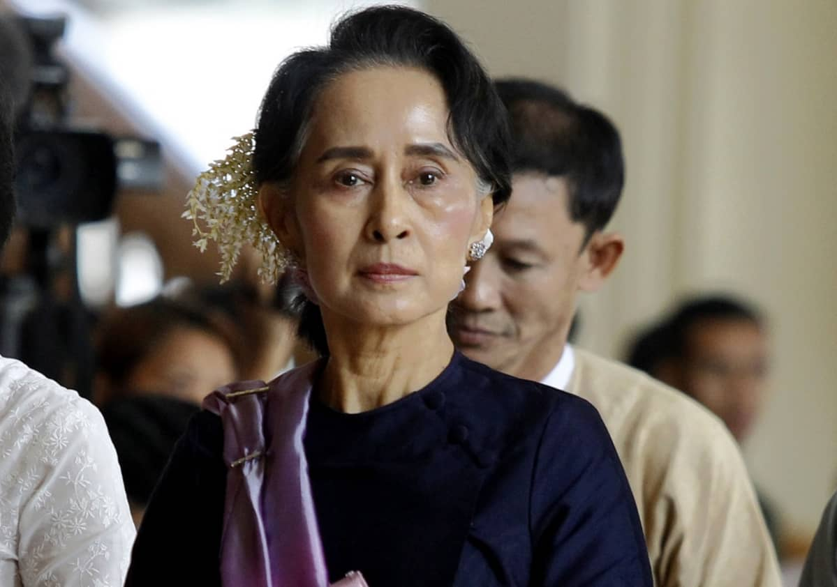 Aung San Suu Kyi Myanmarin uuden parlamentin istunnossa 3. helmikuuta.