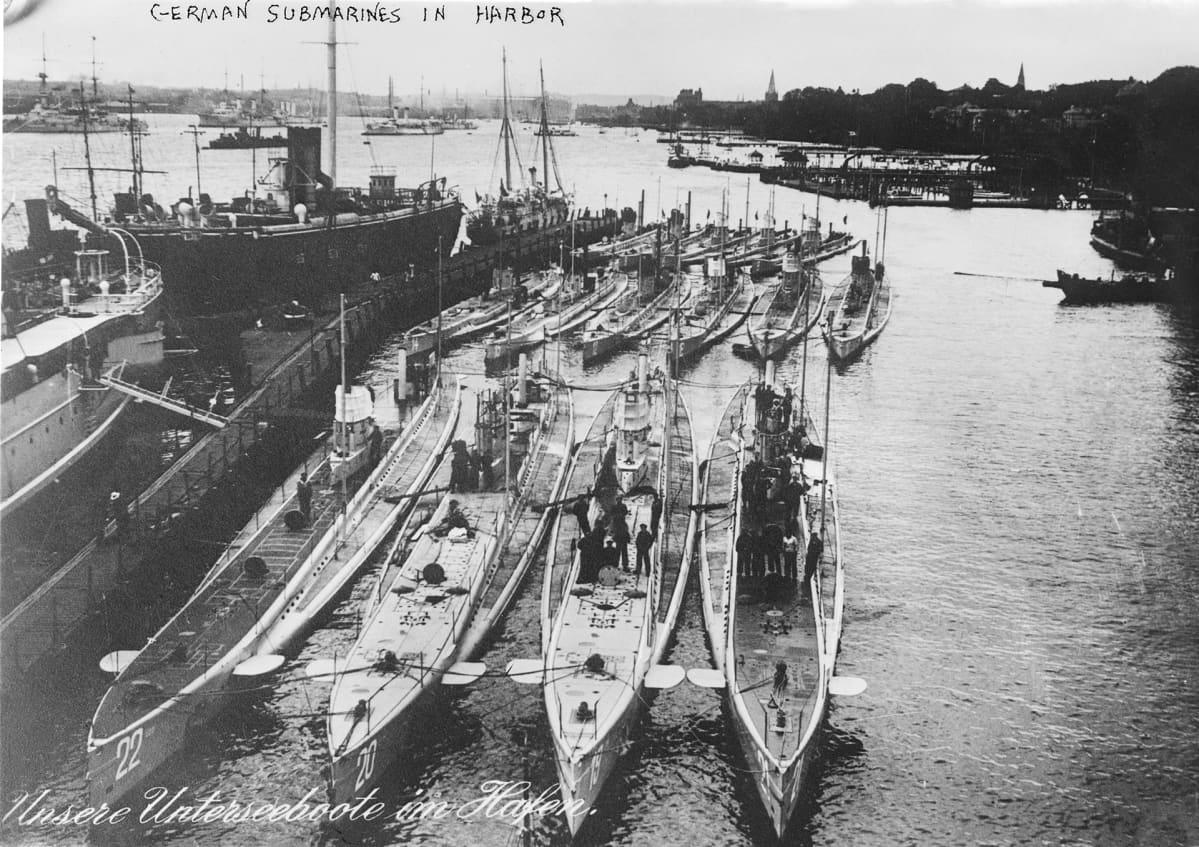 Saksalaisia sukellusveneitä