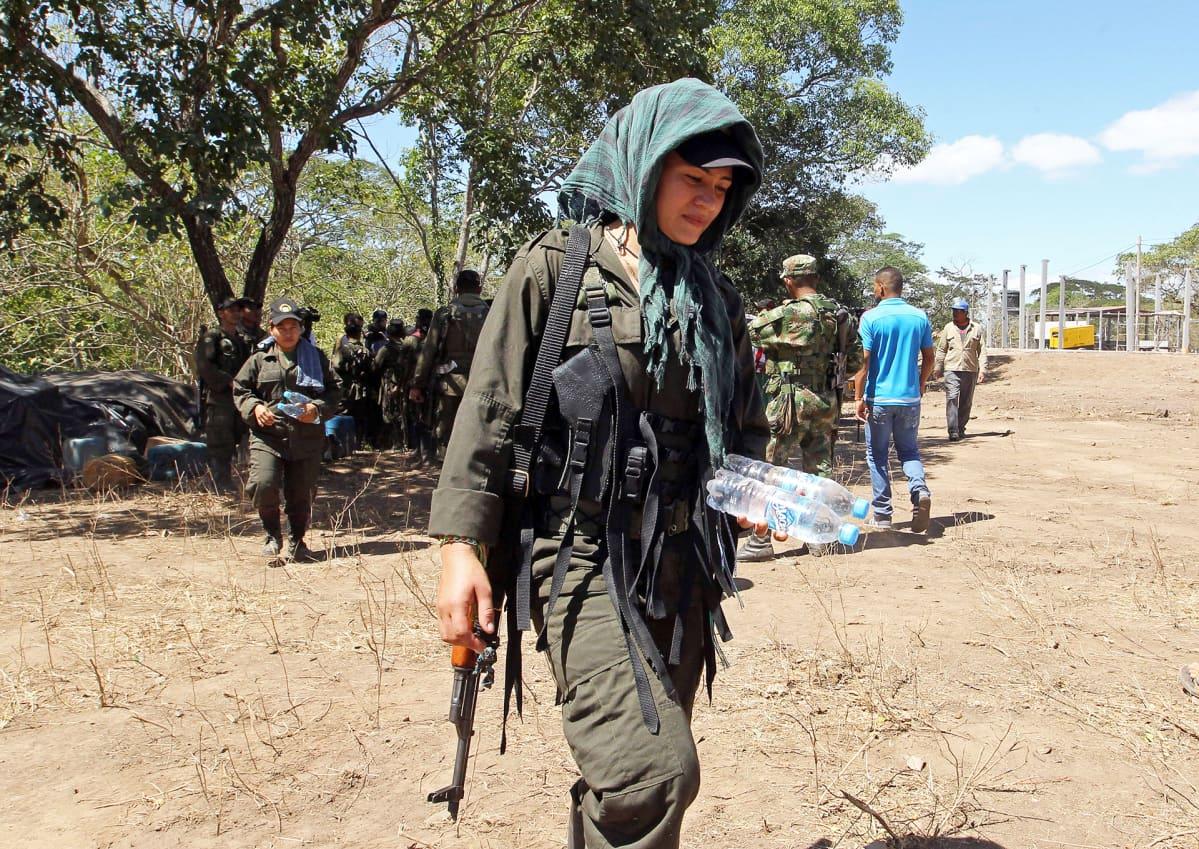 FARC-sissejä Pondoresin kaupungissa Kolumbiassa helmikuussa 2017.
