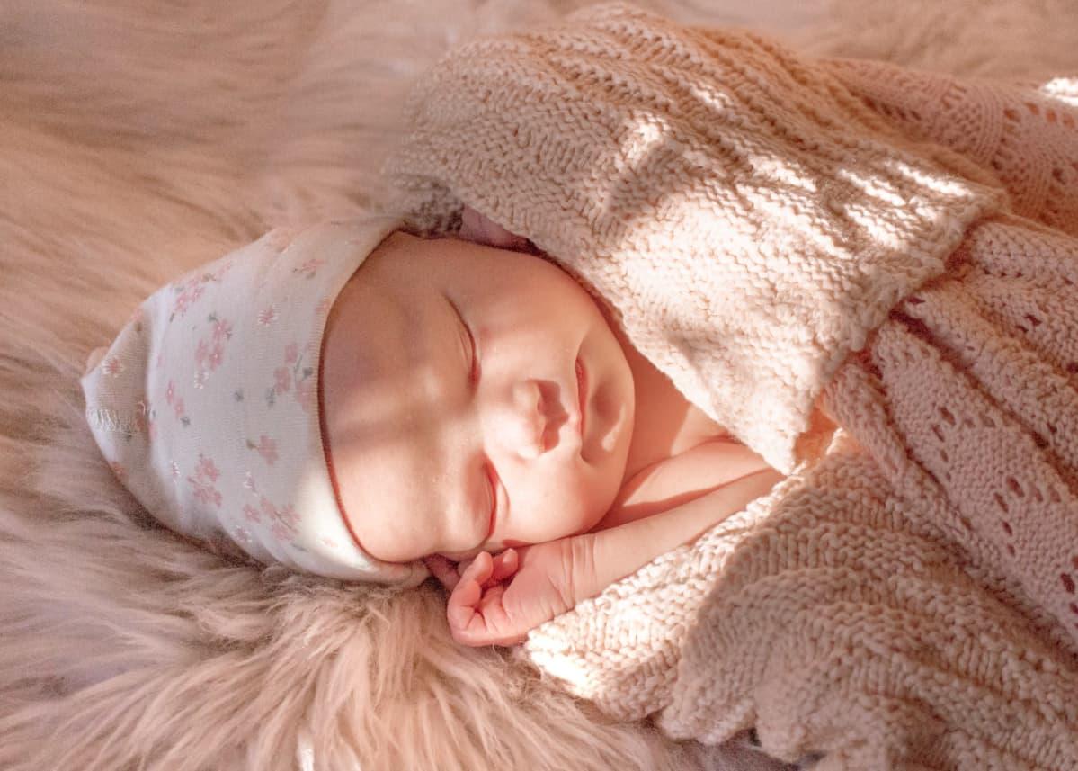 Peppiina Korhosen vastasyntynyt tyttövauva