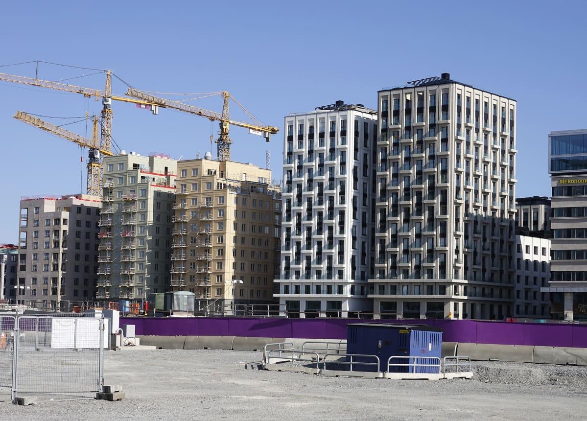 Uusia asuntoja rakenteilla Tukholmassa.