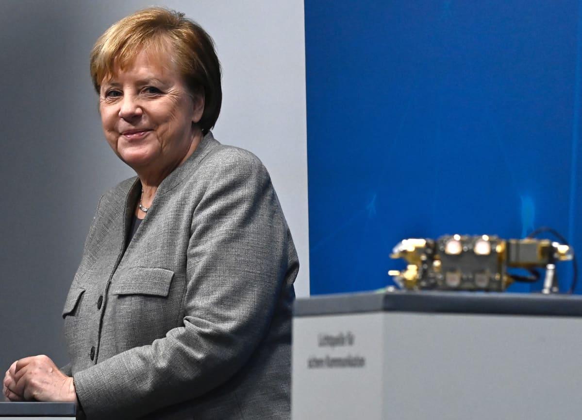 Angela Merkel tiistaina, osallistuessaan virtuaaliseen Digitaaliseen huippukokoukseen Berliinissä.