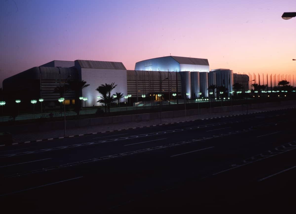 Kaija ja Heikki Siren suunnittelivat Saddam Husseinin hallitseman Irakin valtion tilaaman konferenssipalatsin Bagdadiin.