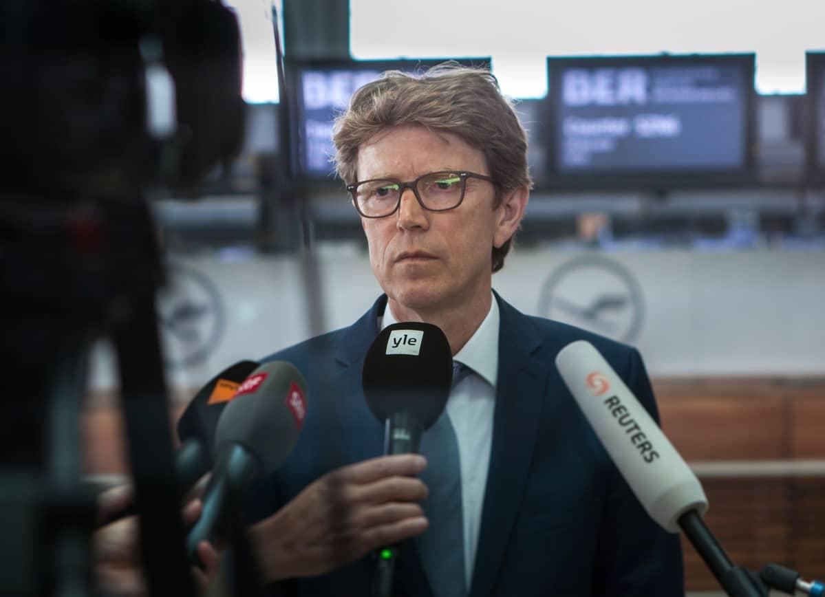 BER-lentoaseman johtaja Engelbert Lütke Daldrup lupaa, että lentoasema avataan lokakuussa 2020.