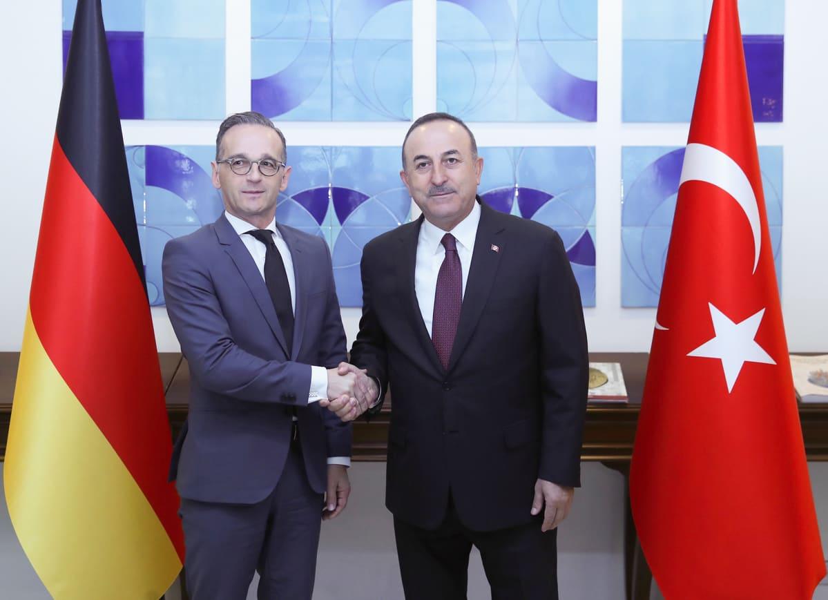 Turkin ulkoministeri Mevlüt Çavuşoğlu ja Saksan ulkoministeri Heiko Maas tiedotustilaisuudessa 26. lokakuuta Ankarassa.