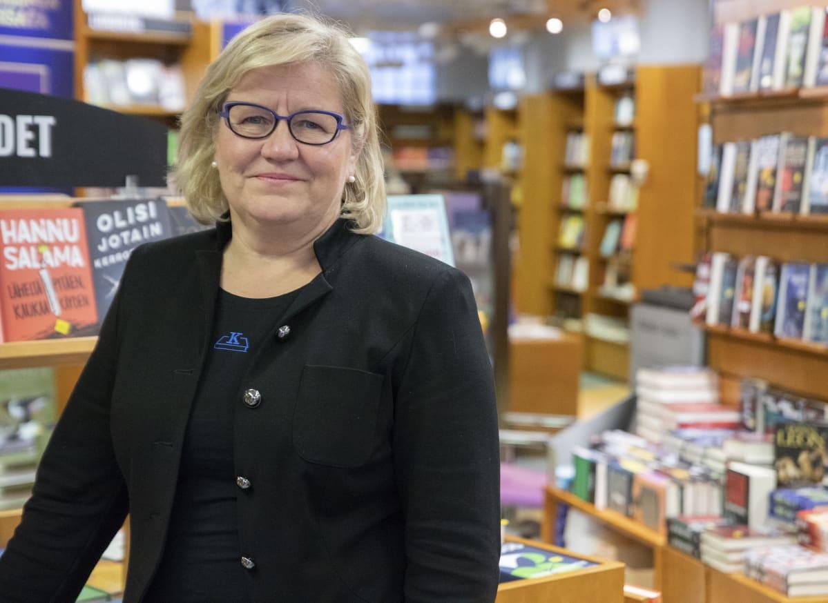 Toimitusjohtaja Paula Palmroth, Turun Kansallinen kirjakauppa.