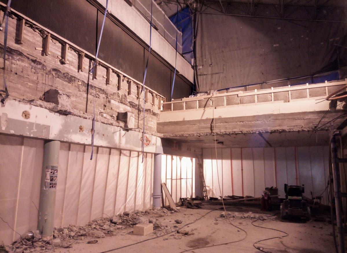 Kuvassa Keski-Pohjanmaan keskussairaalan leikkausosasto remontin alkuvaiheessa.