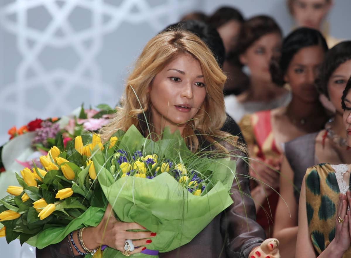 Karimovin vanhin tytär Gulnara Karimova esitteli omaa GULI-vaatemerkkiään muotinäytöksessä Moskovassa vuonna 2011.